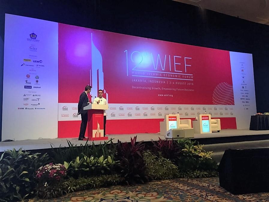 Paco Morales presenta en Indonesia su alta cocina Halal de la mano del Instituto Halal